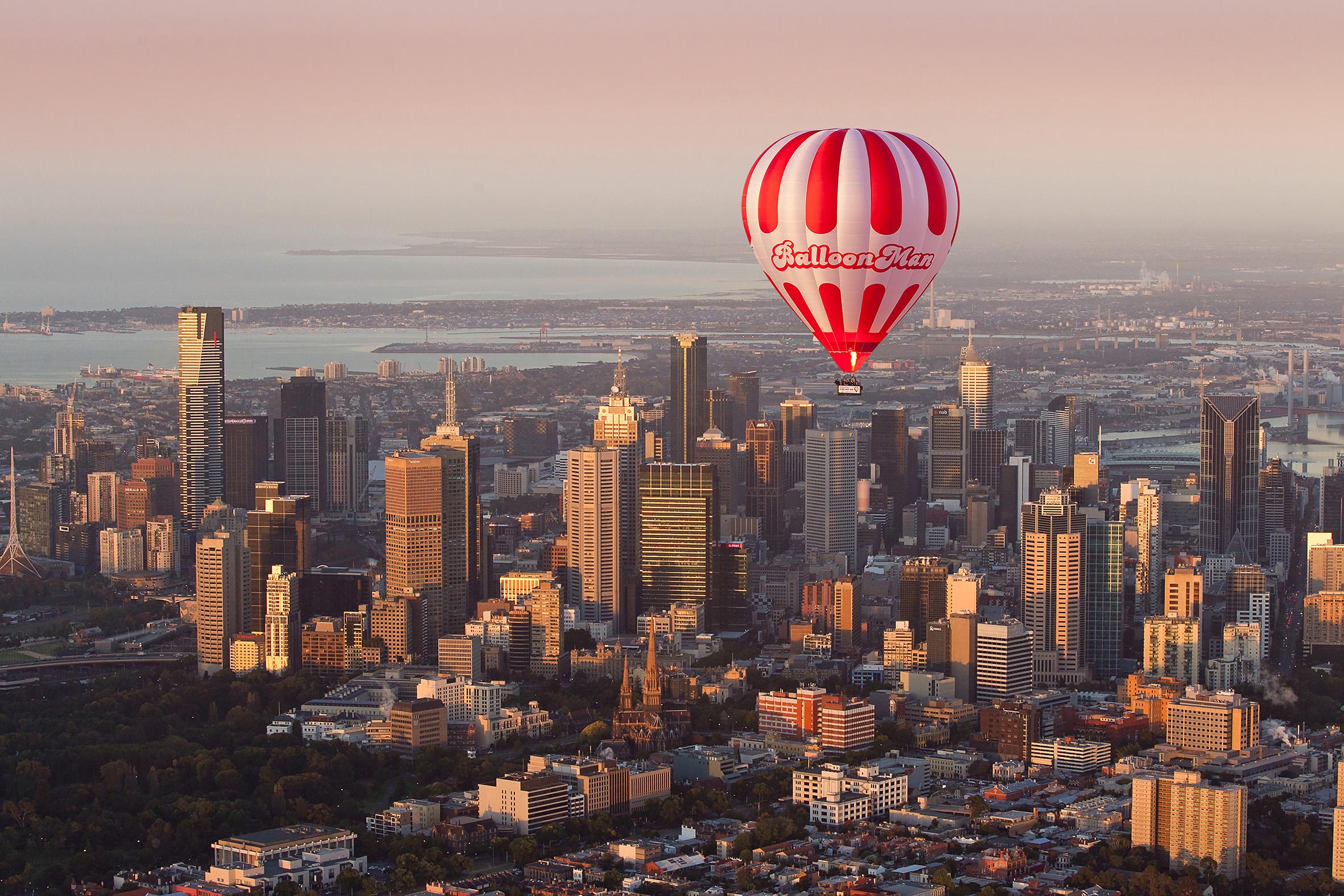Hot air balloon over Melbourne