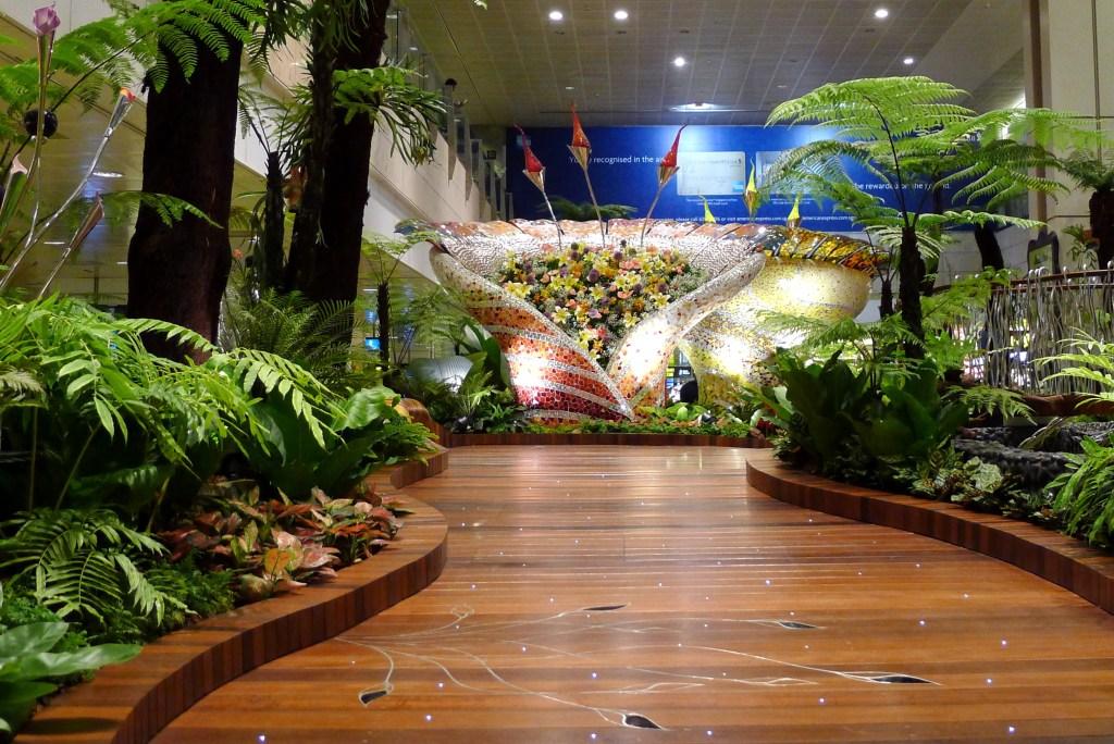 «Заколдованный сад» в Терминале 2