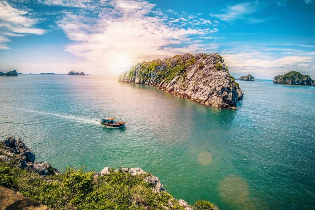 Остров Кат Ба во Вьетнаме