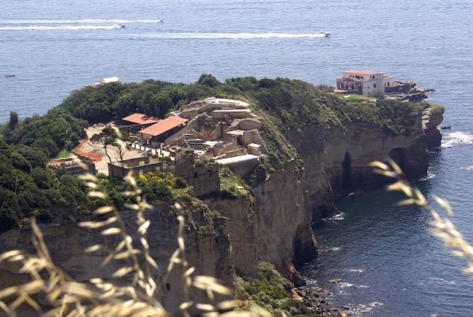 Spiagge di Napoli: Rocce verdi