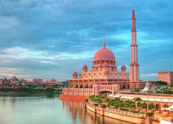 クアラルンプール(マレーシア) プトラジャヤのピンクモスク