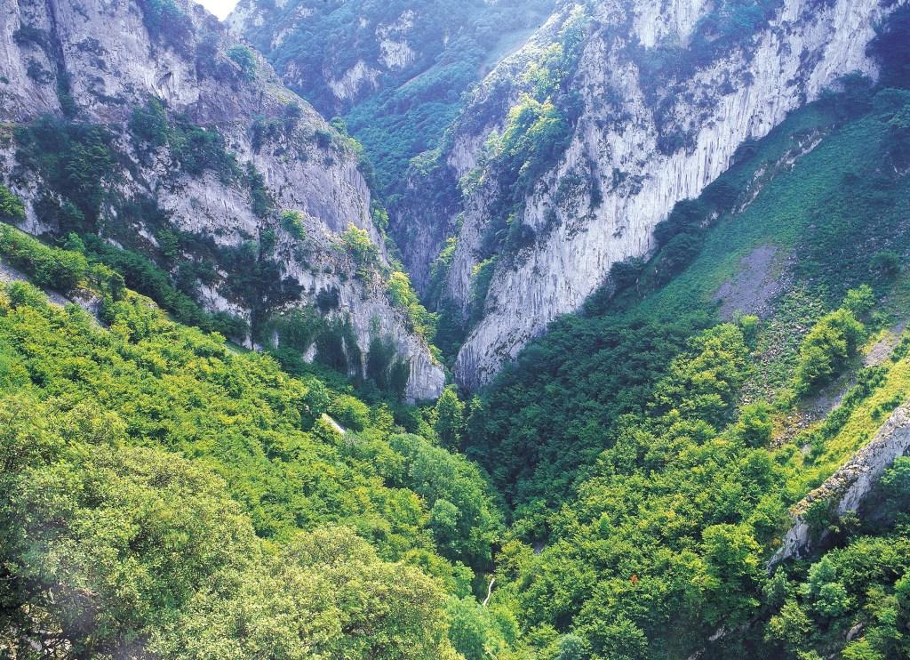Rutas de senderismo por Asturias: Ruta de las Xanas