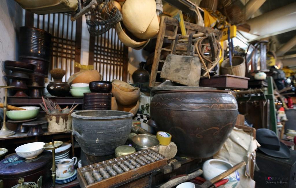 Блошиный рынок в Сеуле — классное место для покупки необычных сувениров